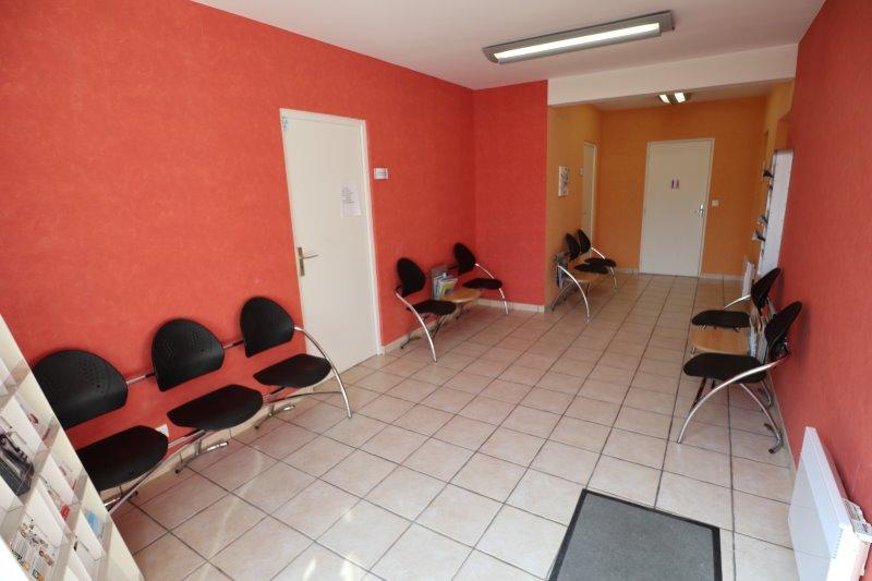 Salle d'attente du cabinet de Mireille Colino
